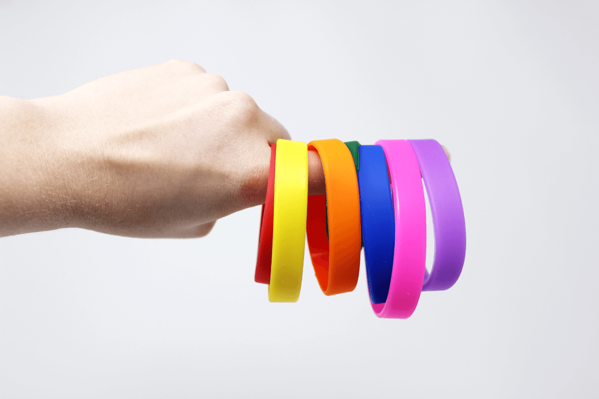 pride-wristbands